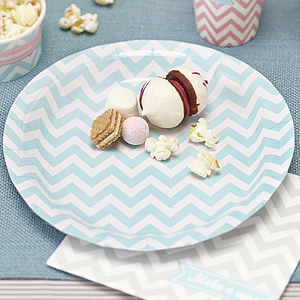 Chevron Paper Plates - outdoor living