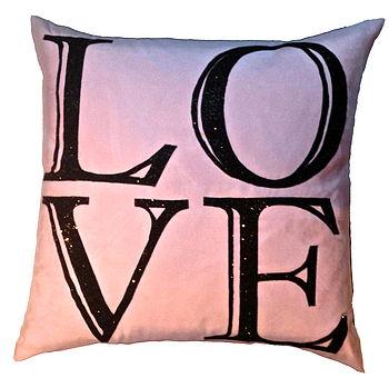 Big Love, Luxury Cushion