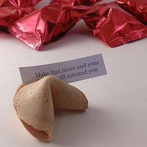 Traditional Fortune Cookies - cake decorations