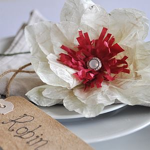 Red Burst Paper Flower Place Setting