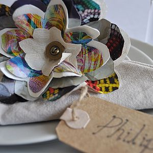 Glossy Paper Flower Place Setting
