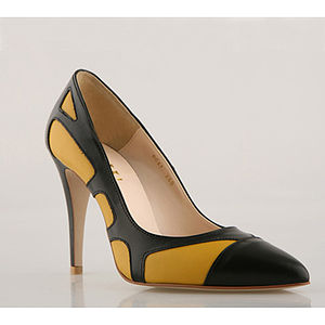 Honeycomb Two Toned Pumps - shoes