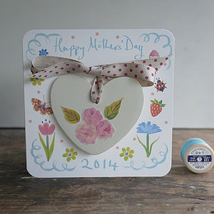 Mother's Day Card With Gift Heart Decoration