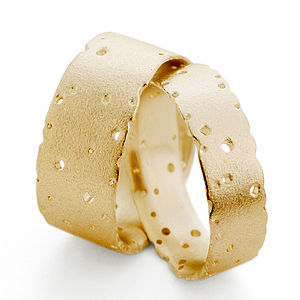 Patterned 18ct Gold Band - gold & diamonds