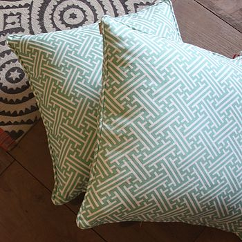 Bhutan Lattice Eau Cushion