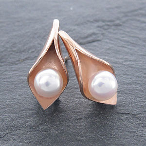 Calla Lily Rose Gold Pearl Studs - earrings