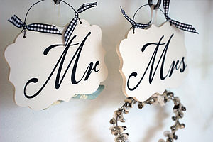 'Mr & Mrs' Wedding Signs - room decorations