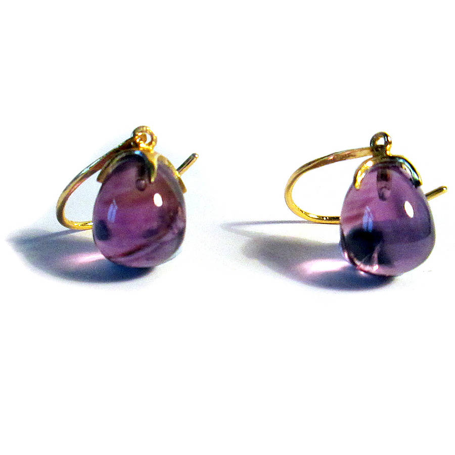 amethyst gold earrings claw by amara amara. Black Bedroom Furniture Sets. Home Design Ideas