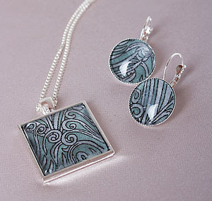 Liberty Feather Necklace And Earring Set