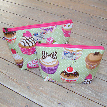 Cupcakes Baker Cosmetic Toiletry Wash Bag