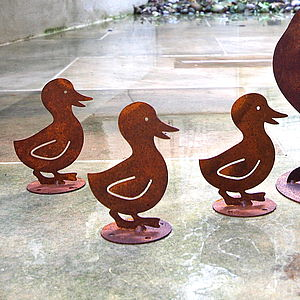 Rusted Baby Duckling Garden Sculpture