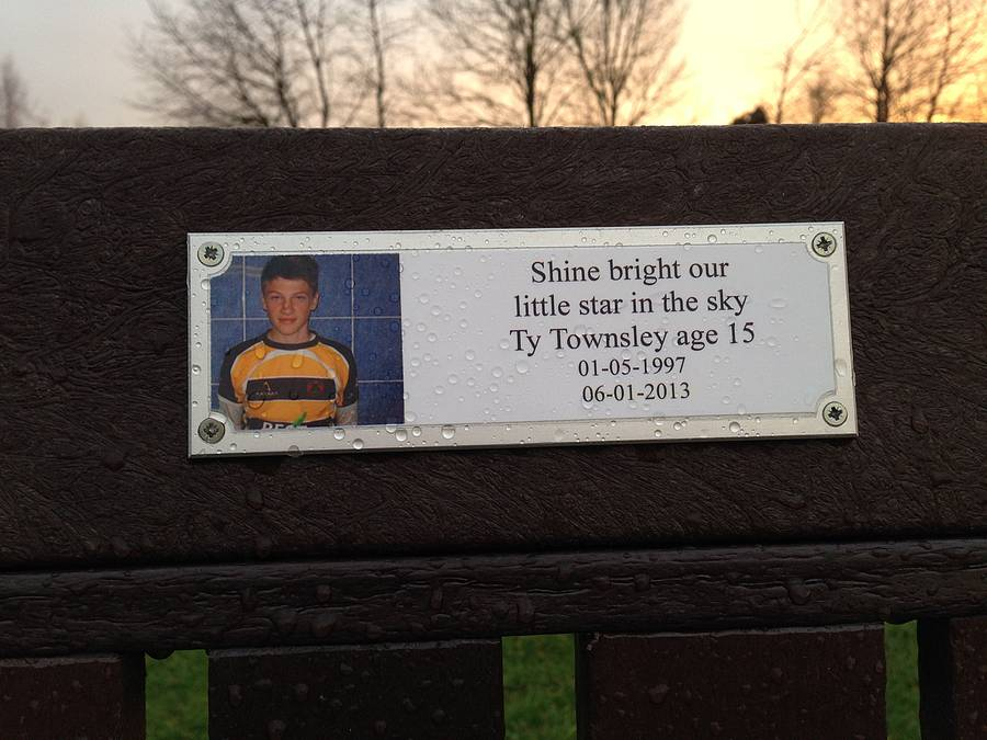 personalised photo memorial bench plaque by keepstakes