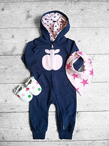 Apple Unisex Baby Gift Set Bodysuit Shoes Bib