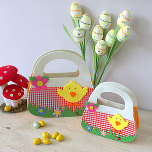 Easter Hunt Baskets - garden