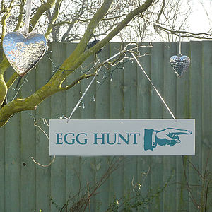 'Easter Hunt' Directional Sign - easter home
