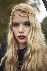 Draped Head Chain