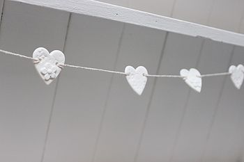 Mini Porcelain Daisy Heart Bunting
