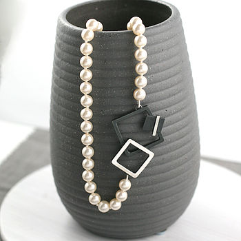 Handmade Art Deco Pearl Necklace