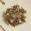 Golden Wreath Brooch
