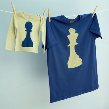 Matching King / Pawn Chess T Shirt Set Dad / Child