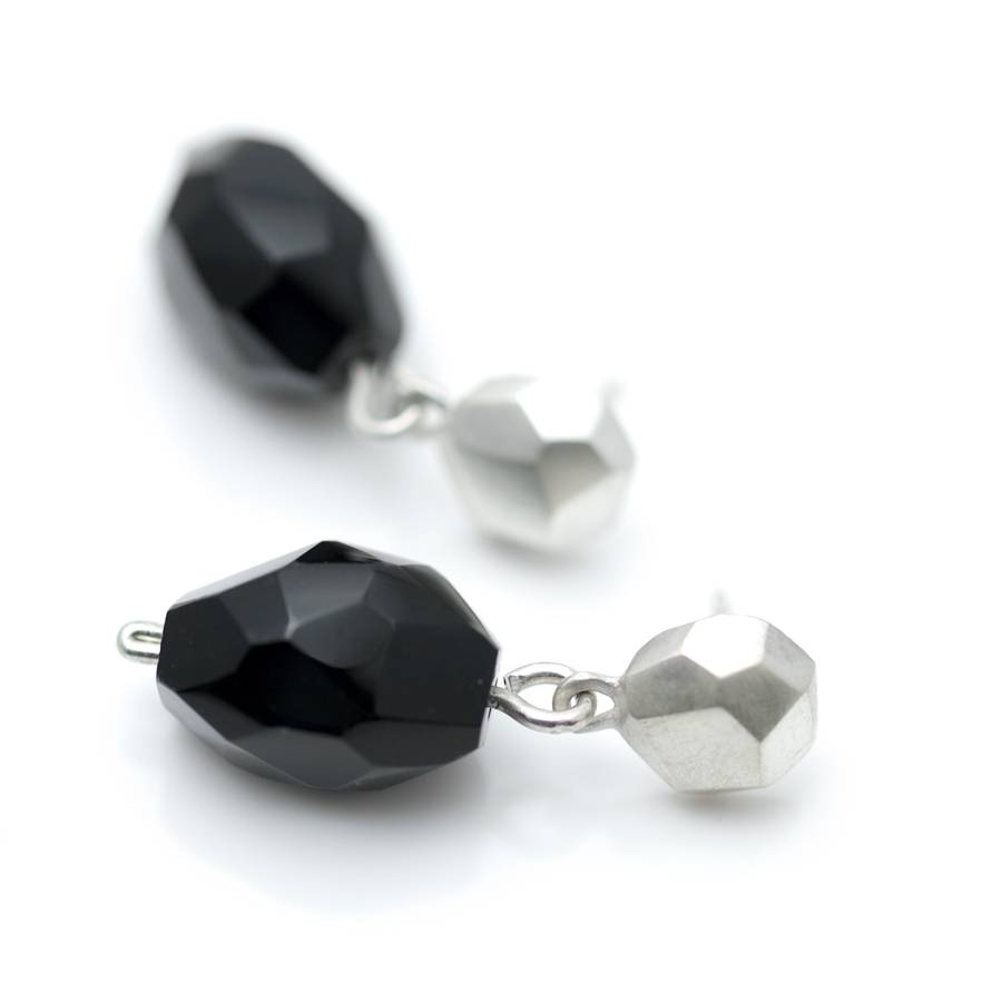 Silver Flint Stud Earrings With Facetted Onyx Drop