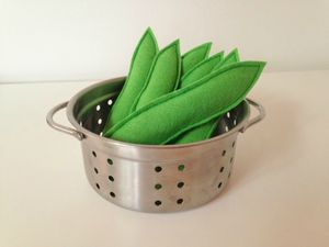Pretend Play Felt Food Runner Beans - pretend play & dressing up