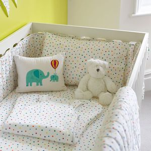 Multicolour Star Baby Cot Quilt - baby's room