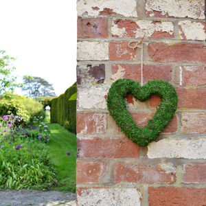 Real Moss Christmas Heart Wreath