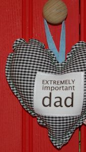 'Extremely Important Dad' Padded Heart