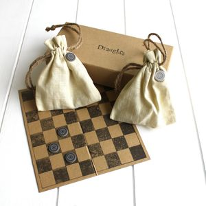 Boxed Draughts - board games & puzzles