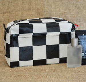 Chequer Wash Bag - men's grooming & toiletries
