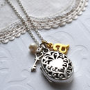 Silver Vintage Oval Locket Necklace