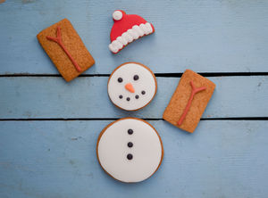 Build A Snowman Biscuit Gift Set - christmas food & drink