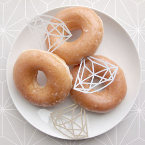 Pack Of 12 Paper Diamonds For Doughnut Rings