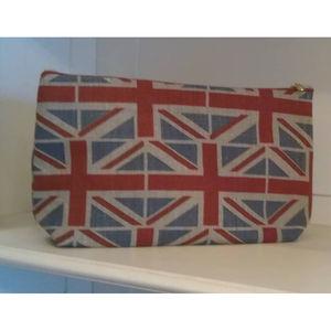 Emily Bond Linen Wash Bag