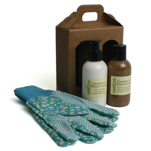 Gardener's Hand Scrub And Lotion Gift Set