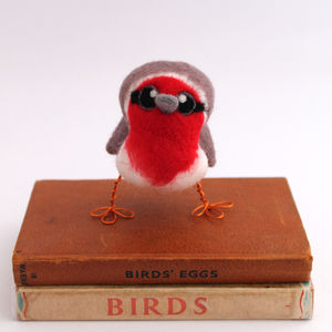 Needle Felted Robin - nativity scenes & figures