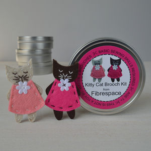Kitty Cat Brooch Sewing Kit