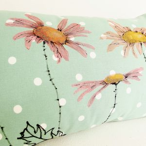 Daisy Cushion - cushions