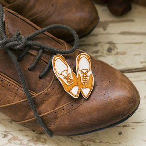 Brogues Wooden Brooch
