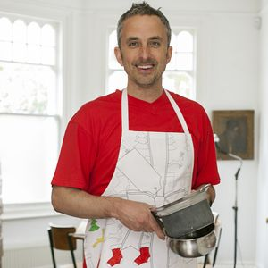 Christmas Doodle Apron To Personalise   Adult