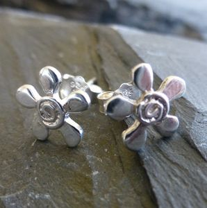 Silver Dazy Swirl Flower Studs - earrings