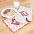 Petit Fleur Oven Glove And Heat Mat