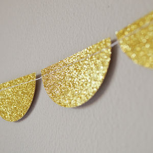 Sparkley Glitter Scalloped Paper Garland