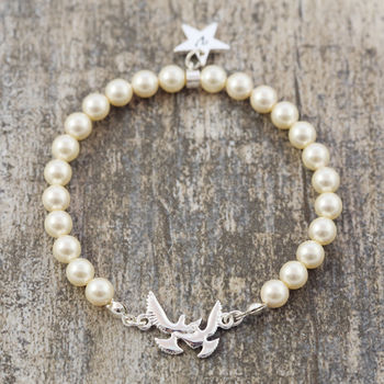 Cream Pearl Bracelet With Bird Detail