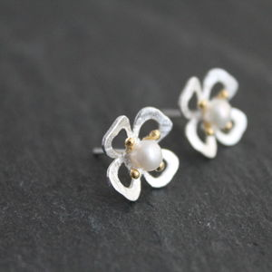 Silver Hand Crafted Ear Studs With Gold And Pearl