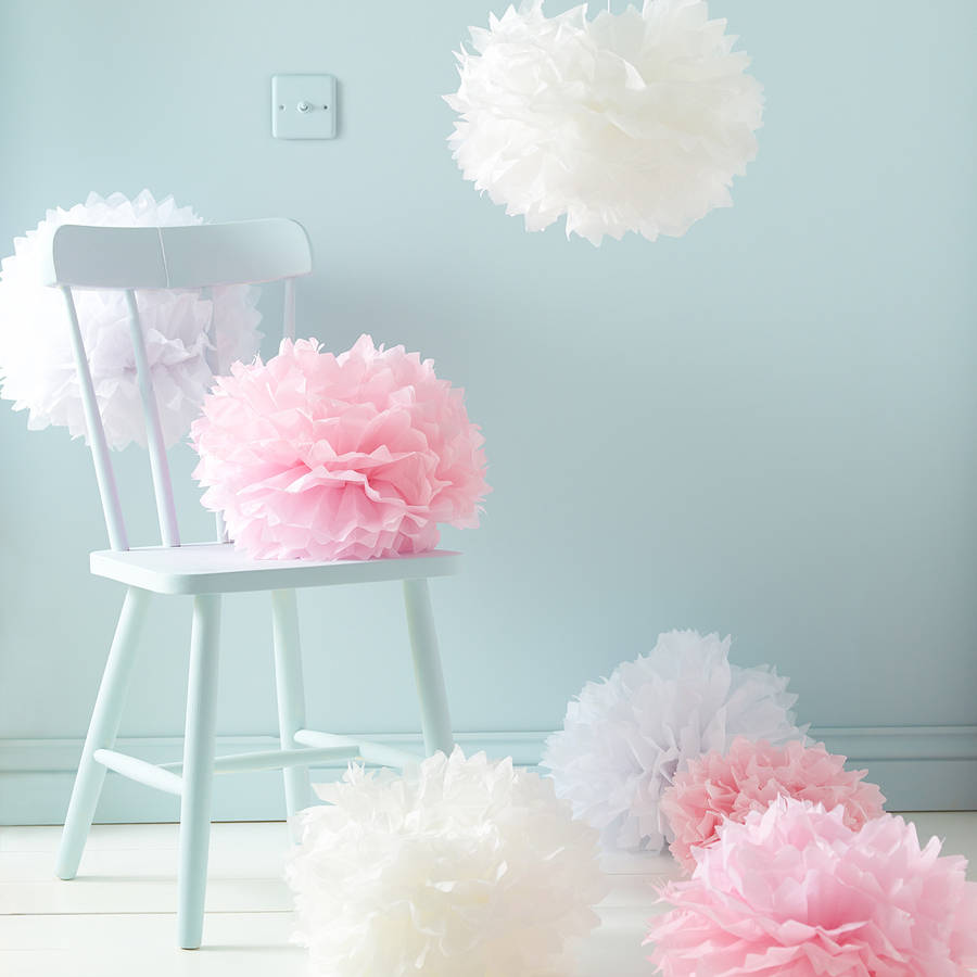 Nine white pink and ivory paper pom poms by lights4fun for Deko silberhochzeit