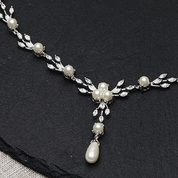 Pearl Leaf Necklace