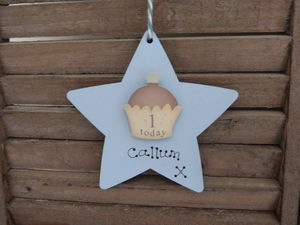 Personalised 1st Birthday Cupcake Wooden Keepsake Sign - message tokens
