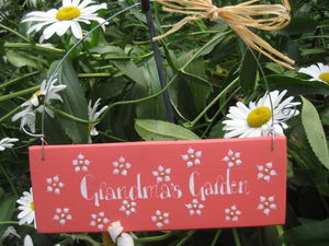 Daisy Garden Sign - art & decorations